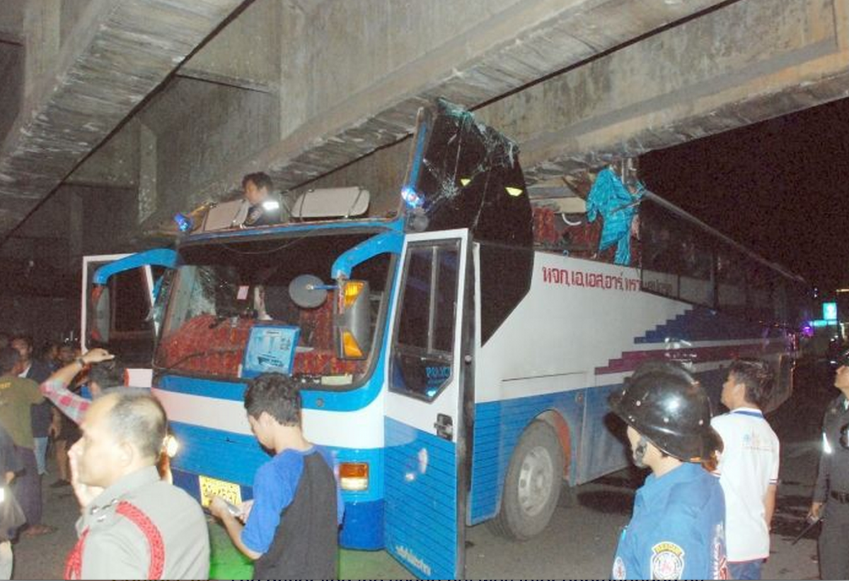 Bus Packed With Tourists Crashes Into Surat Thani Bridge