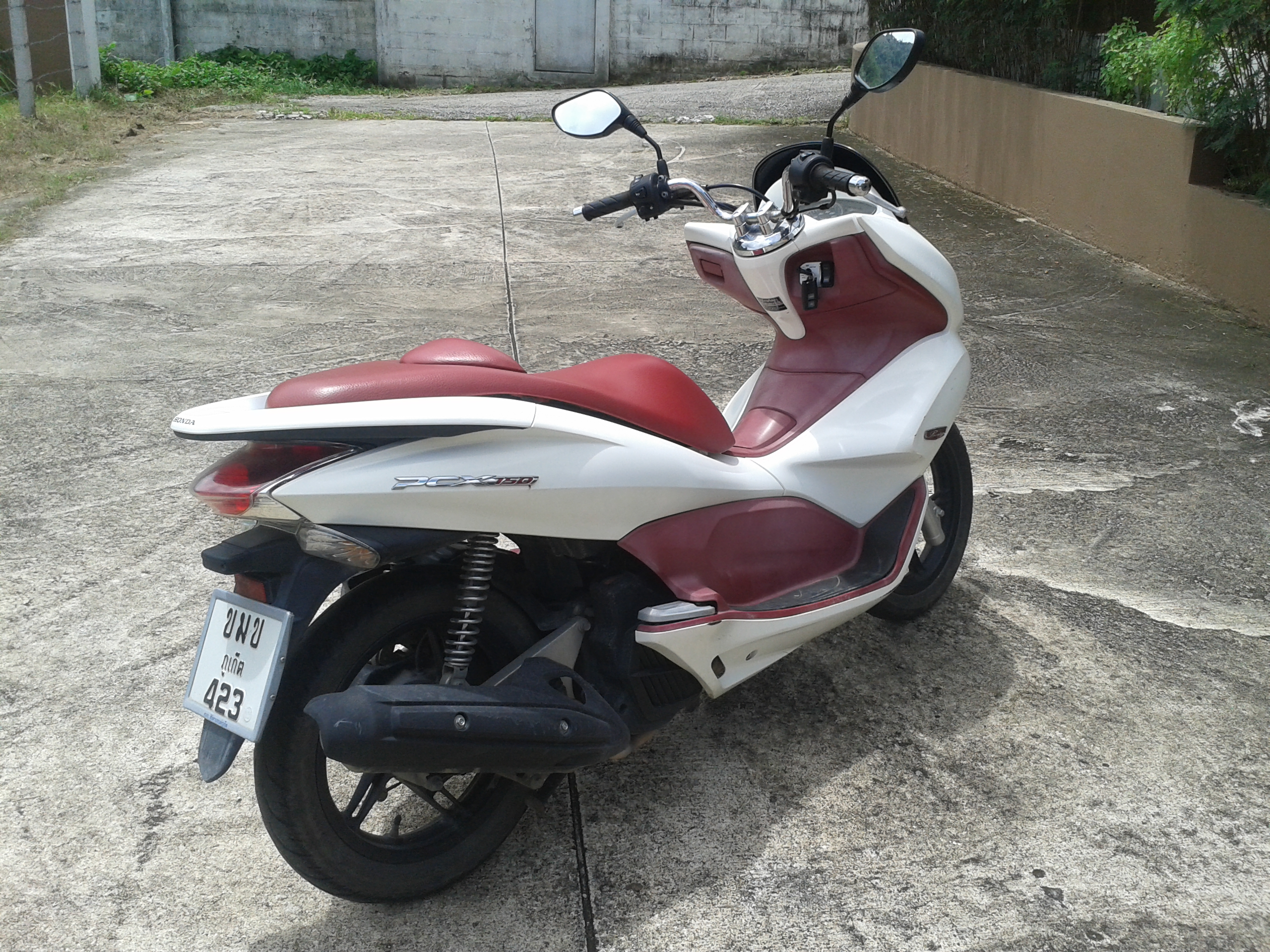 honda pcx 150 done 11 000 km 39 s bikes for sale in thailand thailand visa forum by thai visa. Black Bedroom Furniture Sets. Home Design Ideas