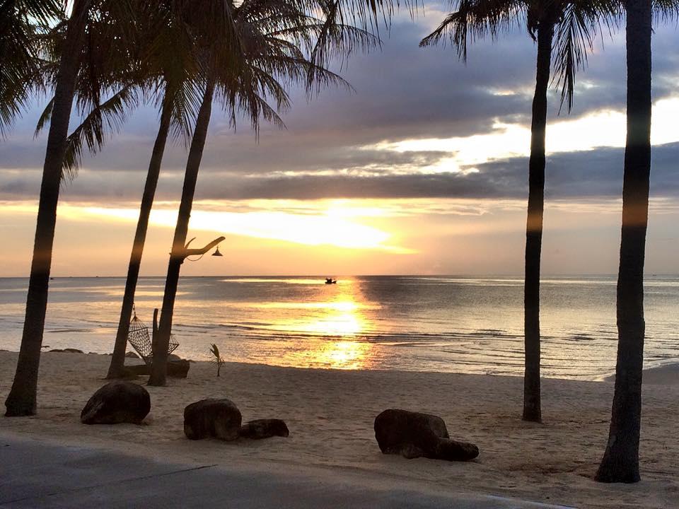 Sunrise at Bang Suphan.jpg