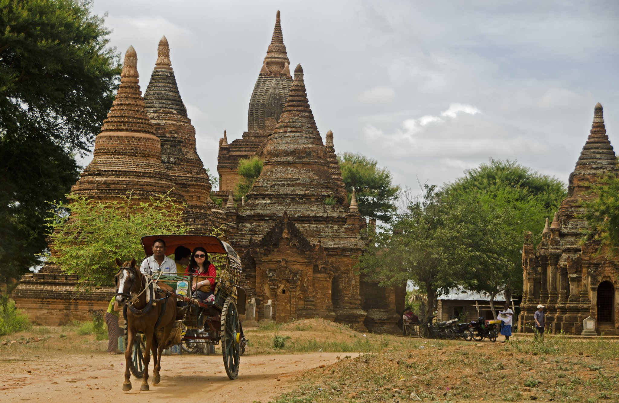 Horse cart around the temples.jpg