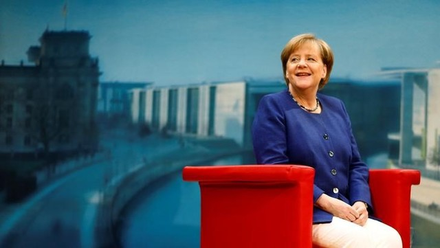 Chancellor Angela Merkel rejects refugee limit for Germany in TV interview