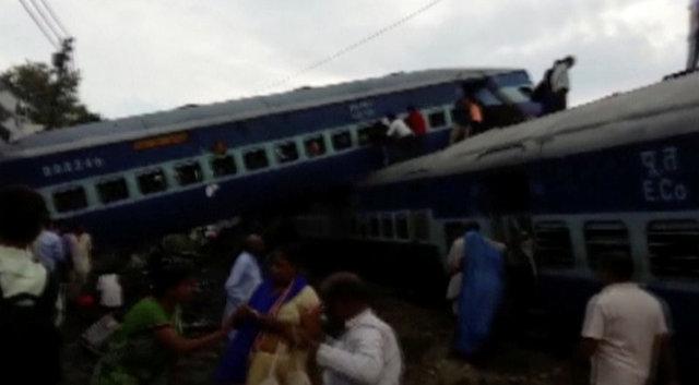 At least 23 dead after Indian train derails in Uttar Pradesh