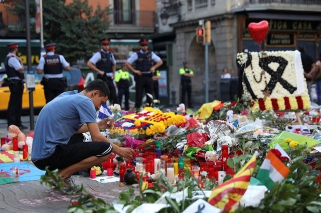 Search for Barcelona attack van driver extended to Europe