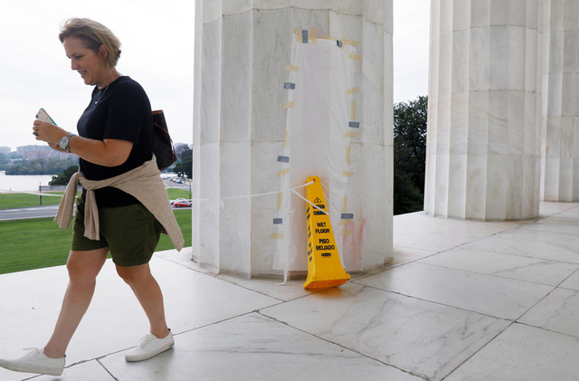 Lincoln Memorial Tagged With Explicit Graffiti