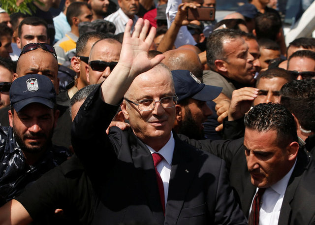 Palestinian prime minister visits Gaza in move to reconcile with Hamas