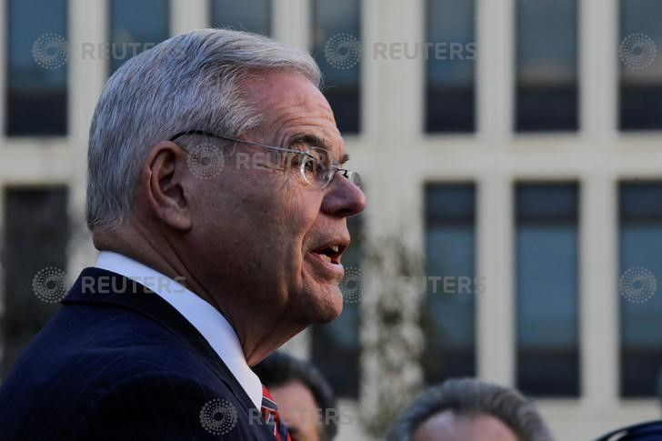 Feds Tell Court They'll Retry Menendez in Wake of First Jury's Deadlock