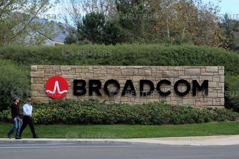 Intel To Weigh In Broadcom Bid