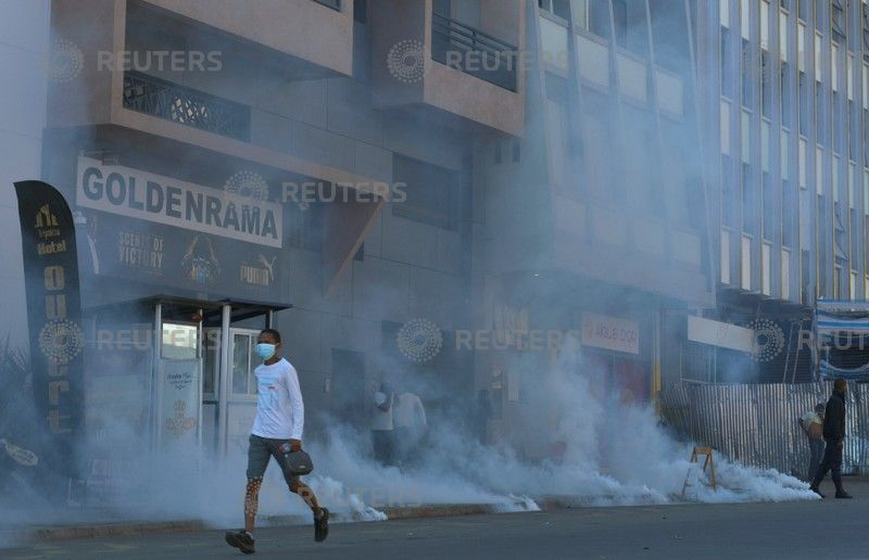 Thousands protest new electoral laws — MADAGASCAR
