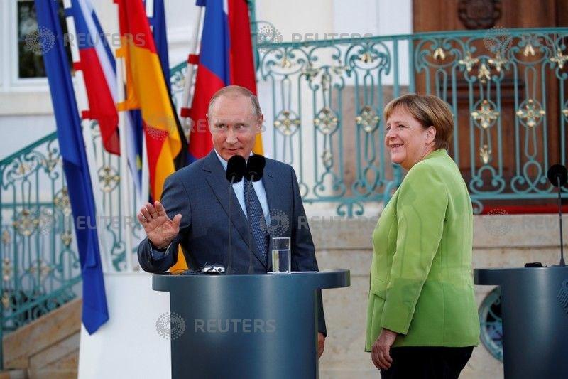 Putin and Merkel discuss Nord Stream 2, Syrian reconstruction