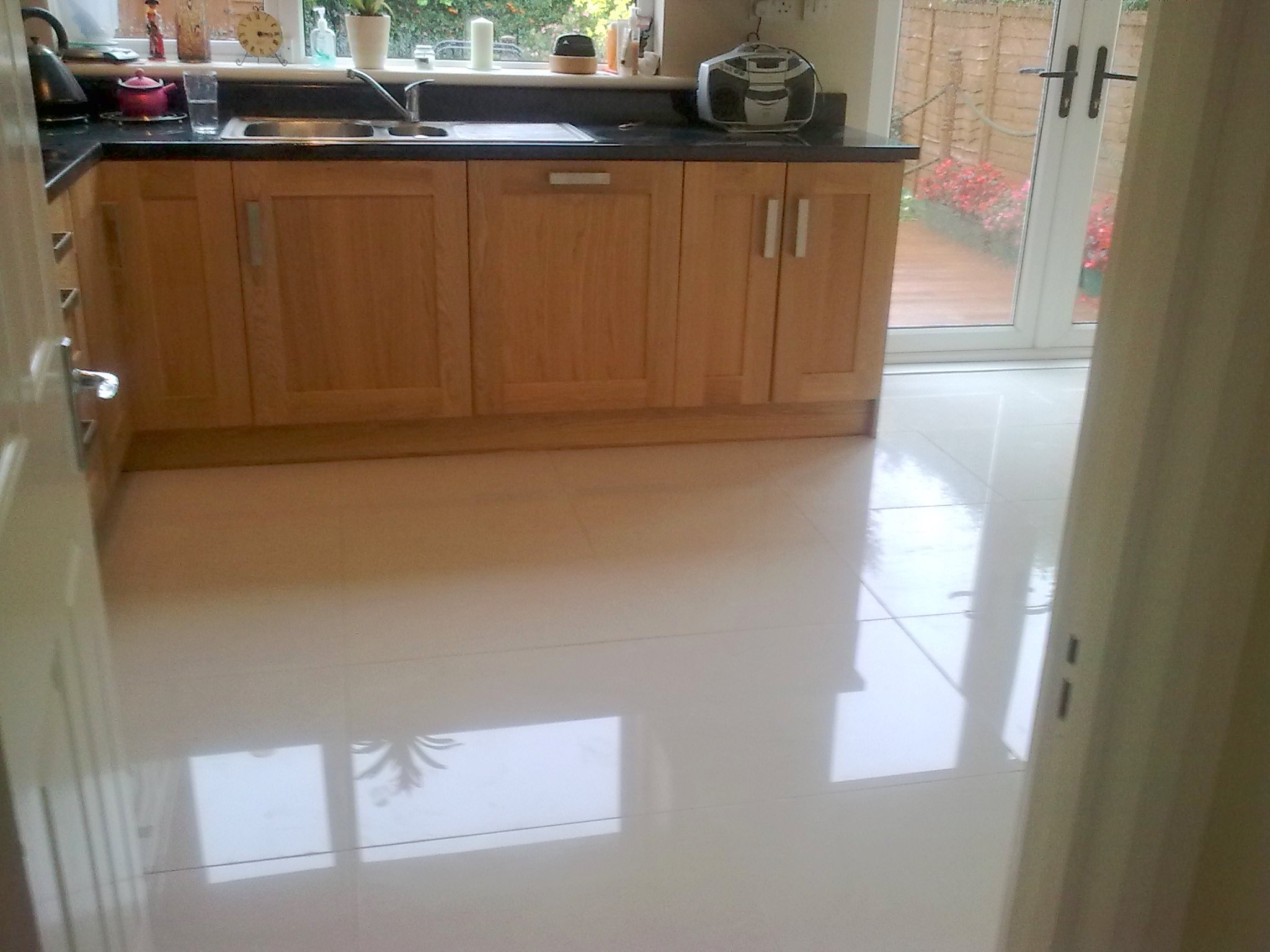 Shiny tile floor image collections tile flooring design ideas glossy floor tiles image collections tile flooring design ideas how to get rid of marks on dailygadgetfo Images