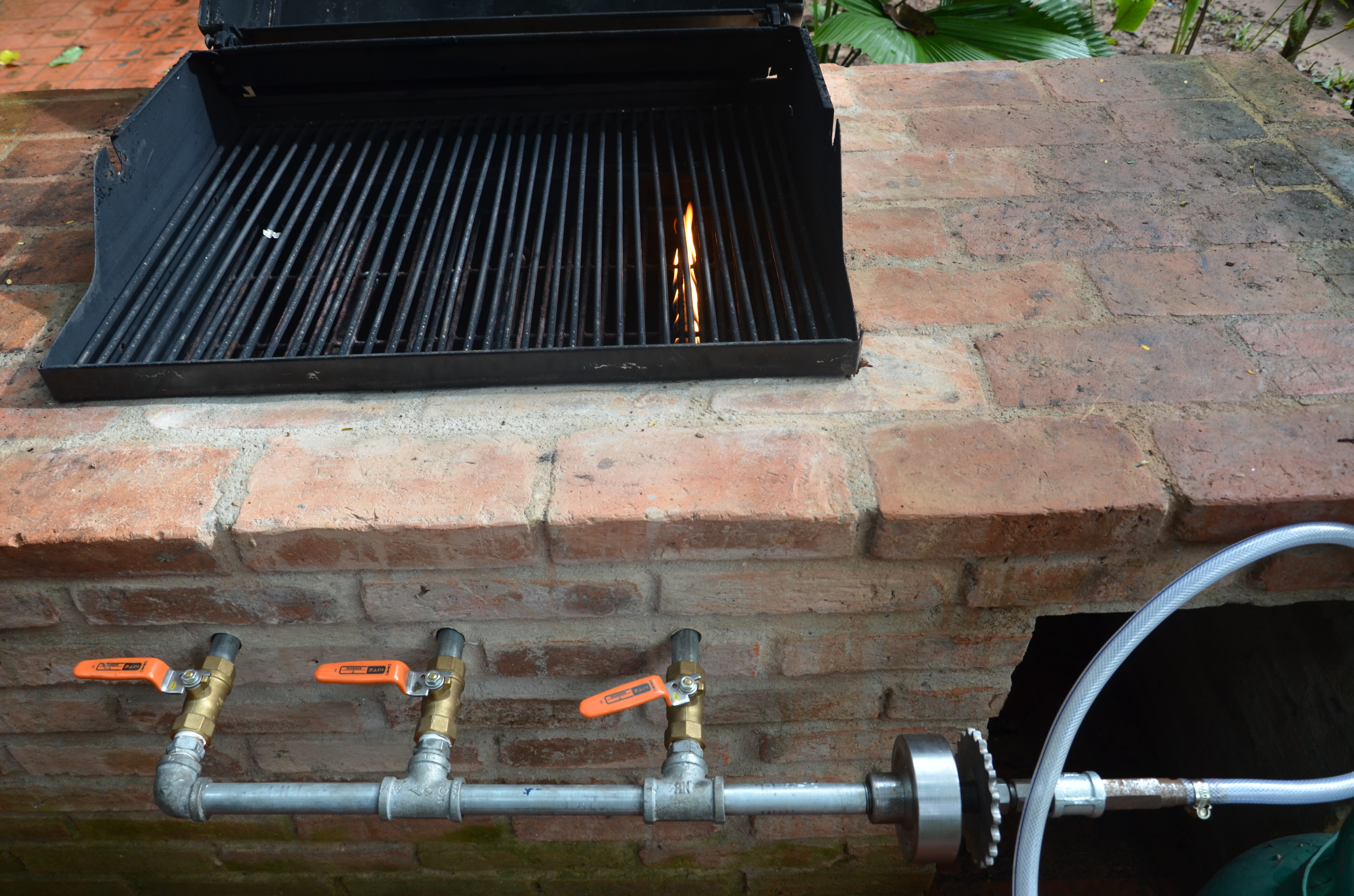 Trying To Build A Homemade Bbq Grill And Almost There But These Orange Flames Are Driving Me Crazy My Idea Is At Standstill The Local Experts