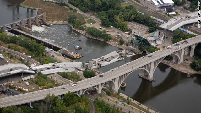 t1larg.bridge.collapse.afp.gi.jpg