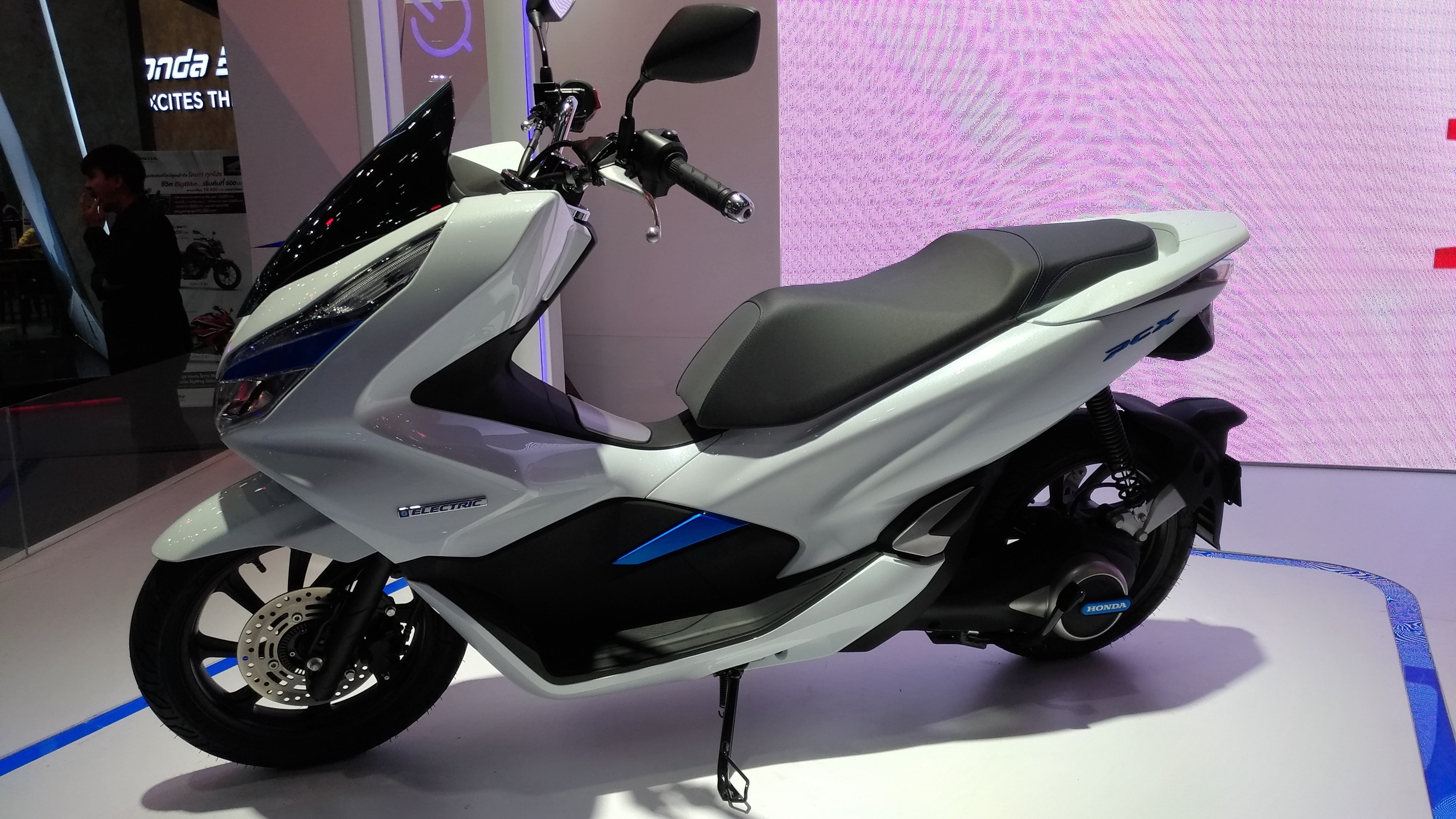 Honda Pcx Hybrid Motorcycles In Thailand Thailand Visa Forum By