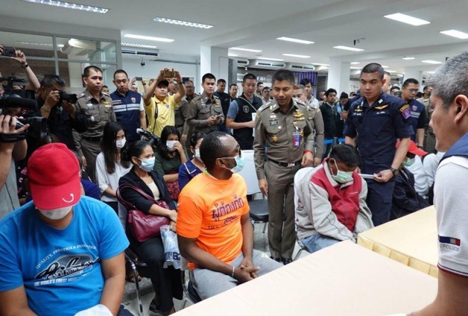 Big Joke arrests corrupt Thai immigration officers issuing fake