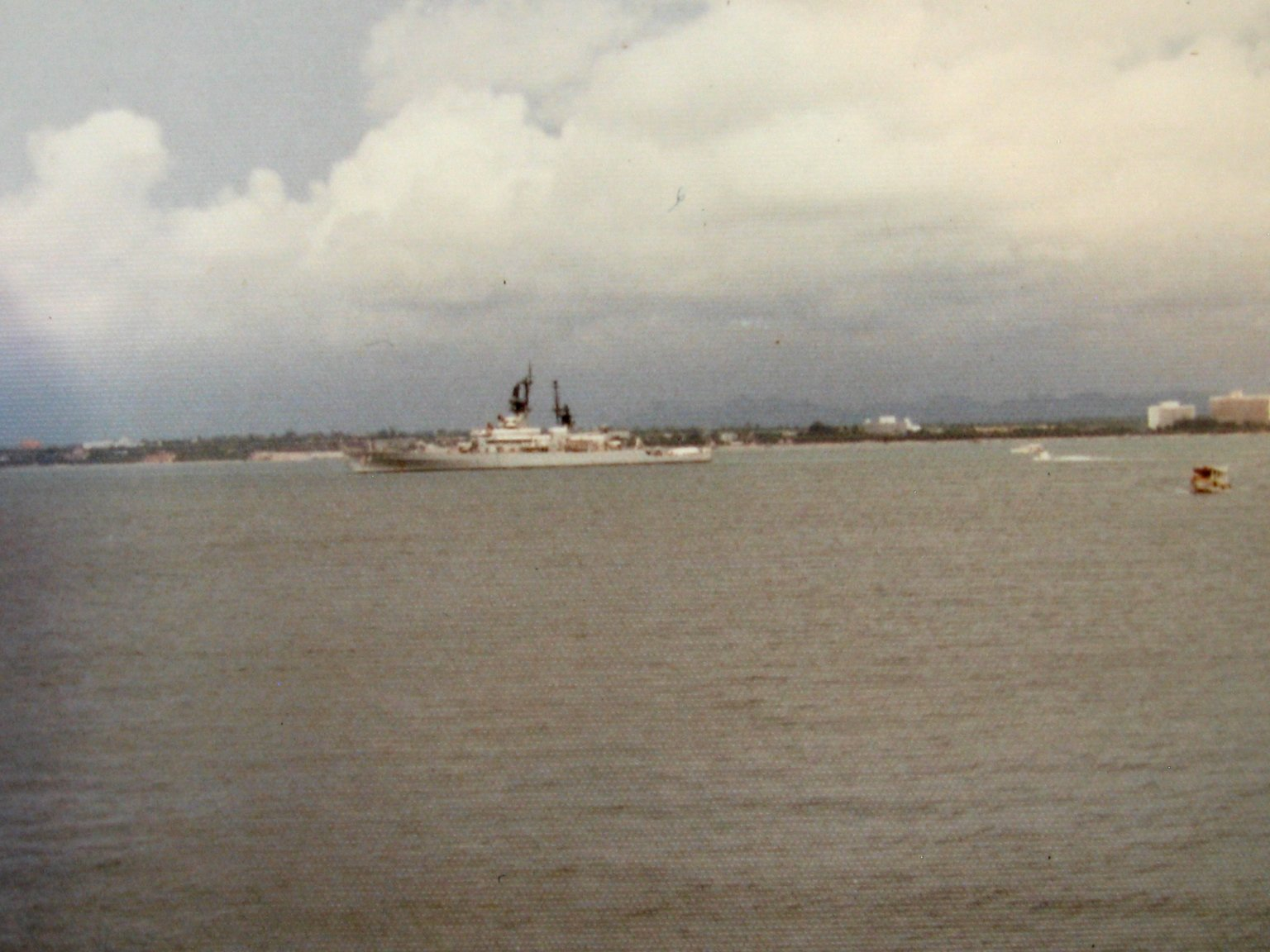 CV41-View of USS Reeves.Pattaya.JPG