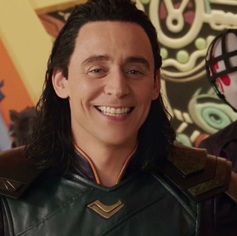 loki-tom-hiddleston-thor-ragnarok-sakaar-1546428913.jpg