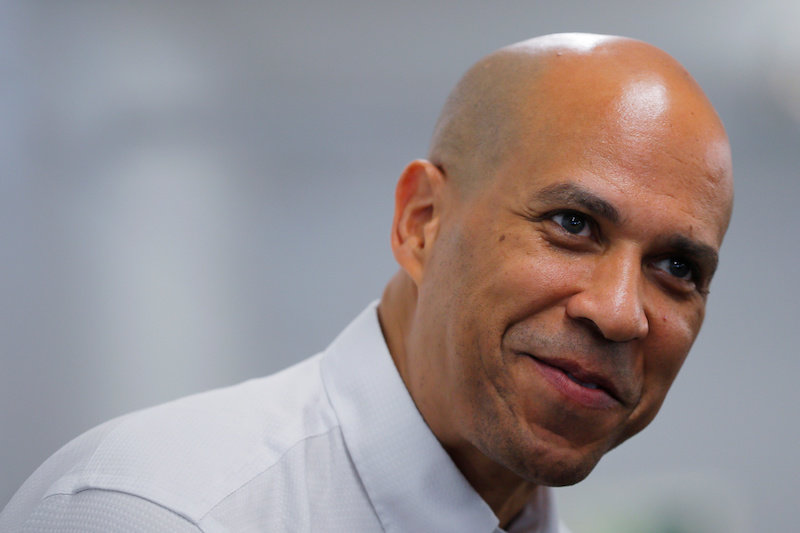 2019-07-15T231300Z_1_LYNXNPEF6E1PD_RTROPTP_4_USA-ELECTION-BOOKER.JPG