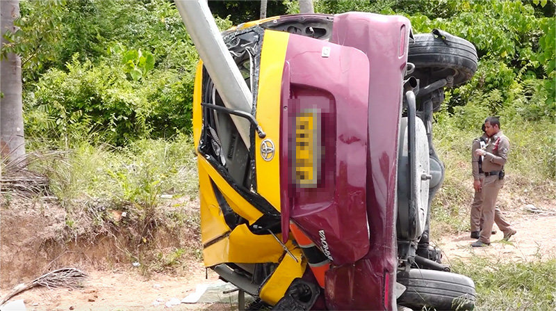 Koh Samui: Taxi driver killed, tourists in hospital after accident