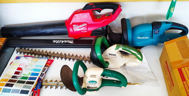 Hitachi Makita battery and corded Hedge trimmer Thailand.jpg