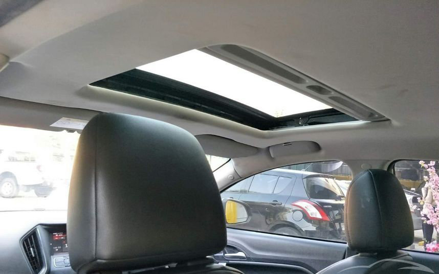 gallery_used-car-mg5-sunroof-thailand.jpg.b348d9e2247efef280069e5fa888c99e.jpg