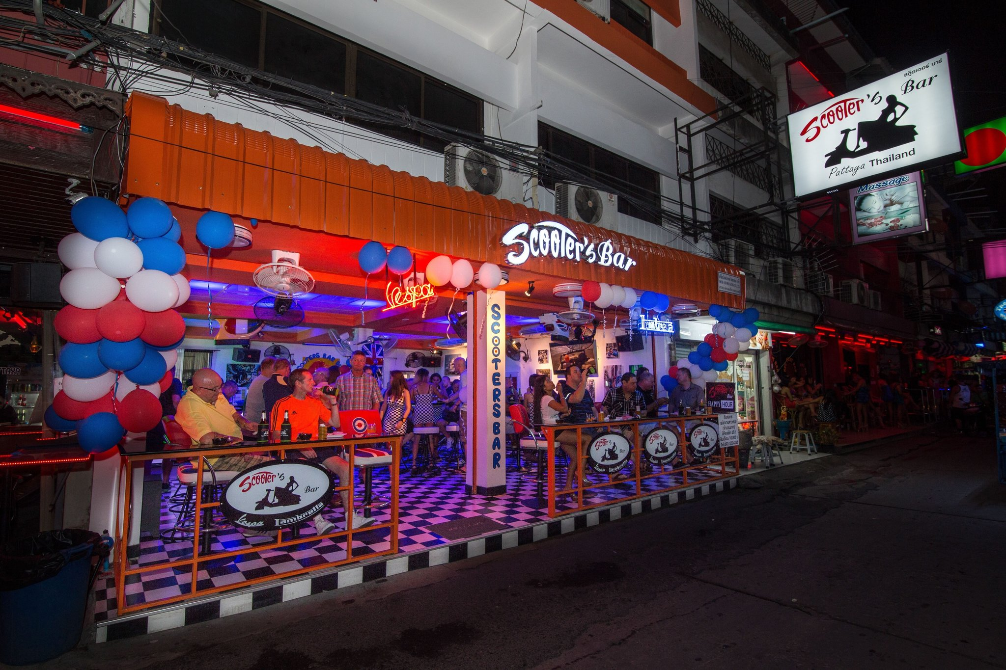 About-Us-Scooters-Bar-Pattaya-1.jpg