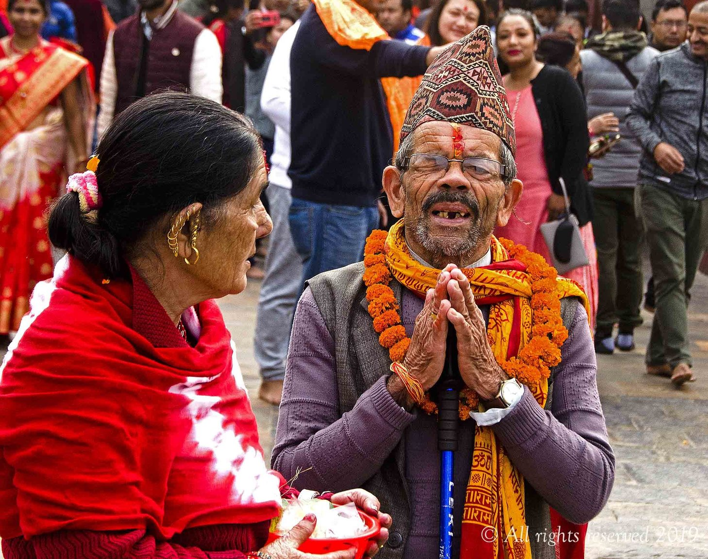 Hindu in front of Pashupatinath temple.jpg