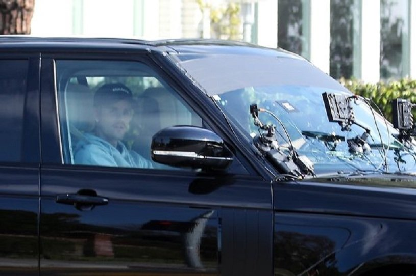 0_PAY-Justin-Bieber-and-James-Corden-film-a-segment-for-Carpool-Karaoke-in-Beverly-Hills.jpg