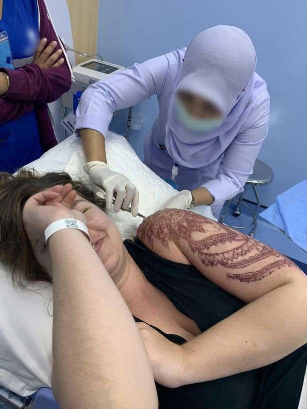 Henna Tattoo In Bangkok: American Tourist Suffers 12-inch Chemical Burn And Oozing