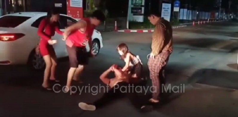 Pattaya-News-3-N-Jun-01-04-Drunk-Chinese-fights-with-wife.jpg