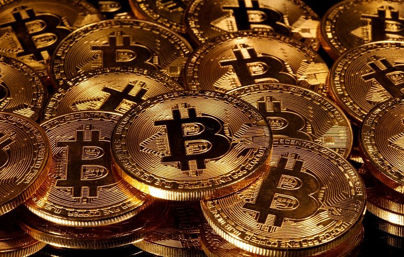 2020-07-27T015045Z_1_LYNXNPEG6Q03A_RTROPTP_4_CRYPTO-CURRENCIES-BITCOIN.JPG