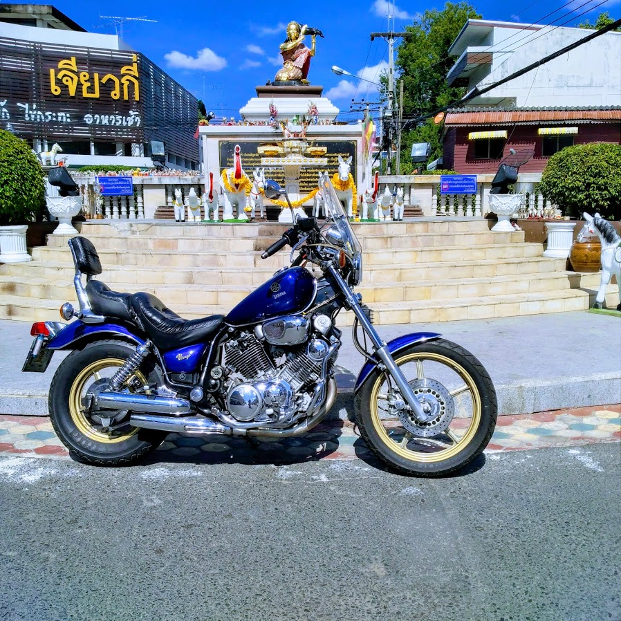 Bike in front of Sri Sa Ket.jpg